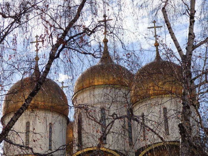 Bulbes de l'une des cathédrales dans l'enceinte du Kremlin. Photo : Sébastien de Nord Espaces