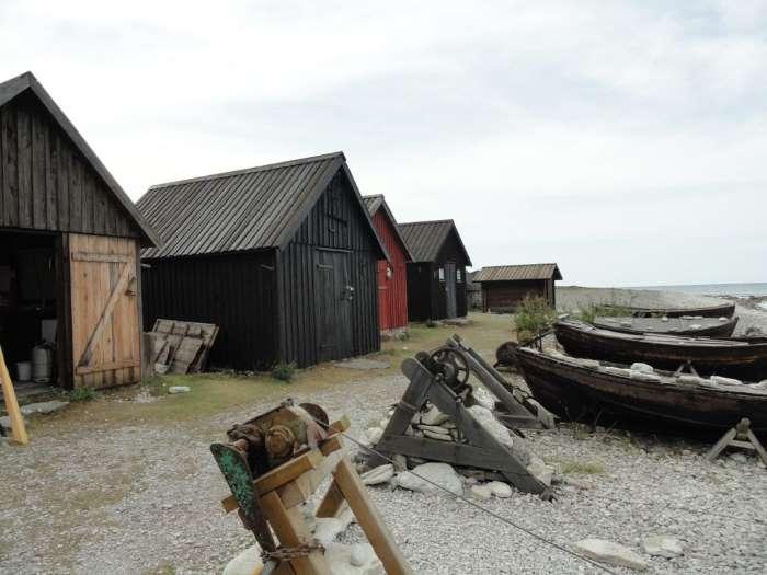 Hangars à bateau sur l'île de Gotland. Photo Nord Espaces