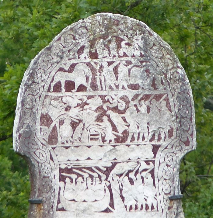 Pierre runique sur l'île de Gotland. Photo Nord Espaces