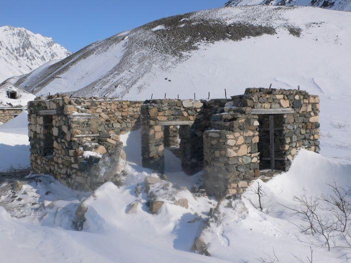 Vestiges du Goulag en Tchoukotka. Photo : Julia de Nord Espaces