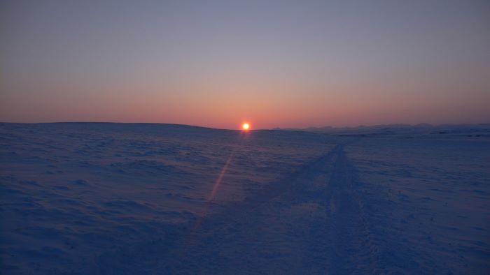 Coucher de soleil en Tchoukotka. Photo : Julia de Nord Espaces