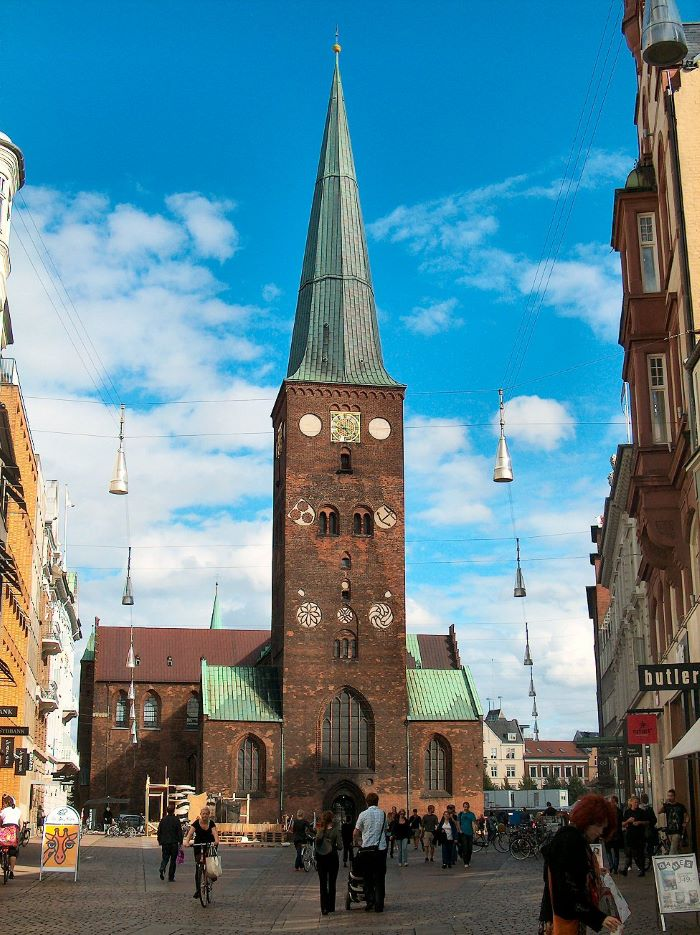 La cathédrale d'Aarhus (1200-1500) par Villy Fink Isaksen