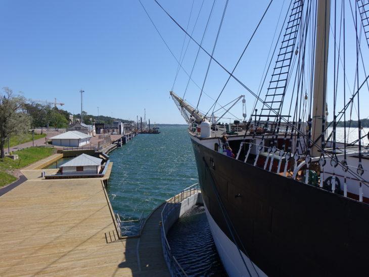 vue sur l'avant du navire Pomern en Finlande