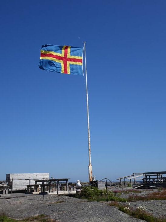 le drapeau de l'archipel d'Aland, en Finlande