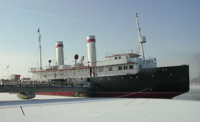 Le brise-glace Angara à Irkoutsk. Photo : Sébastien de Nord Espaces