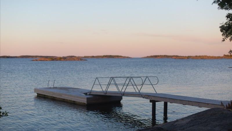 Lever de soleil sur un lac finlandais par Stéphanie Thevenon