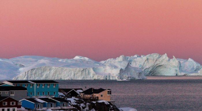 Magie des glaces au coucher du soleil. Photo : Chantal T. au Groenland