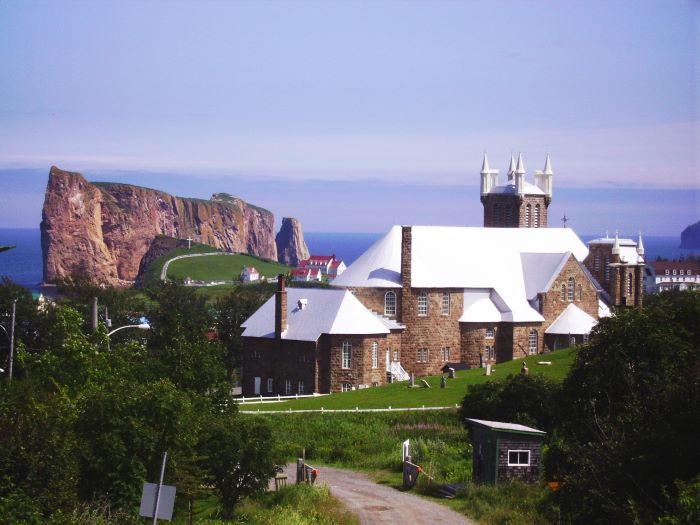 L'église et le Rocher de Percé par Laubrau