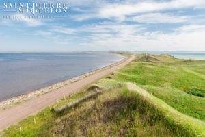 Saint-Pierre-et-Miquelon, isthme de sable entre Grande Miquelon et Langlade