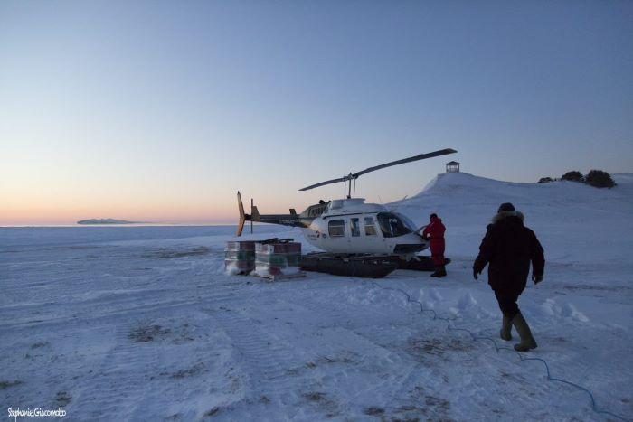Un hélicoptère pour la banquise. Photo : Stéphanie de Nord Espaces