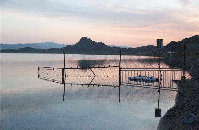 Coucher de soleil sur le lac Tolbo. Photo : Stéphanie Thevenon