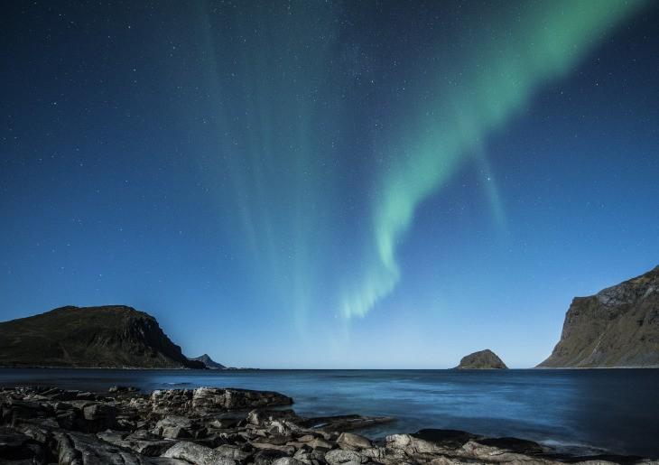 Une aurore boréale au-dessus d'une île norvégienne. A partir du mois de septembre !