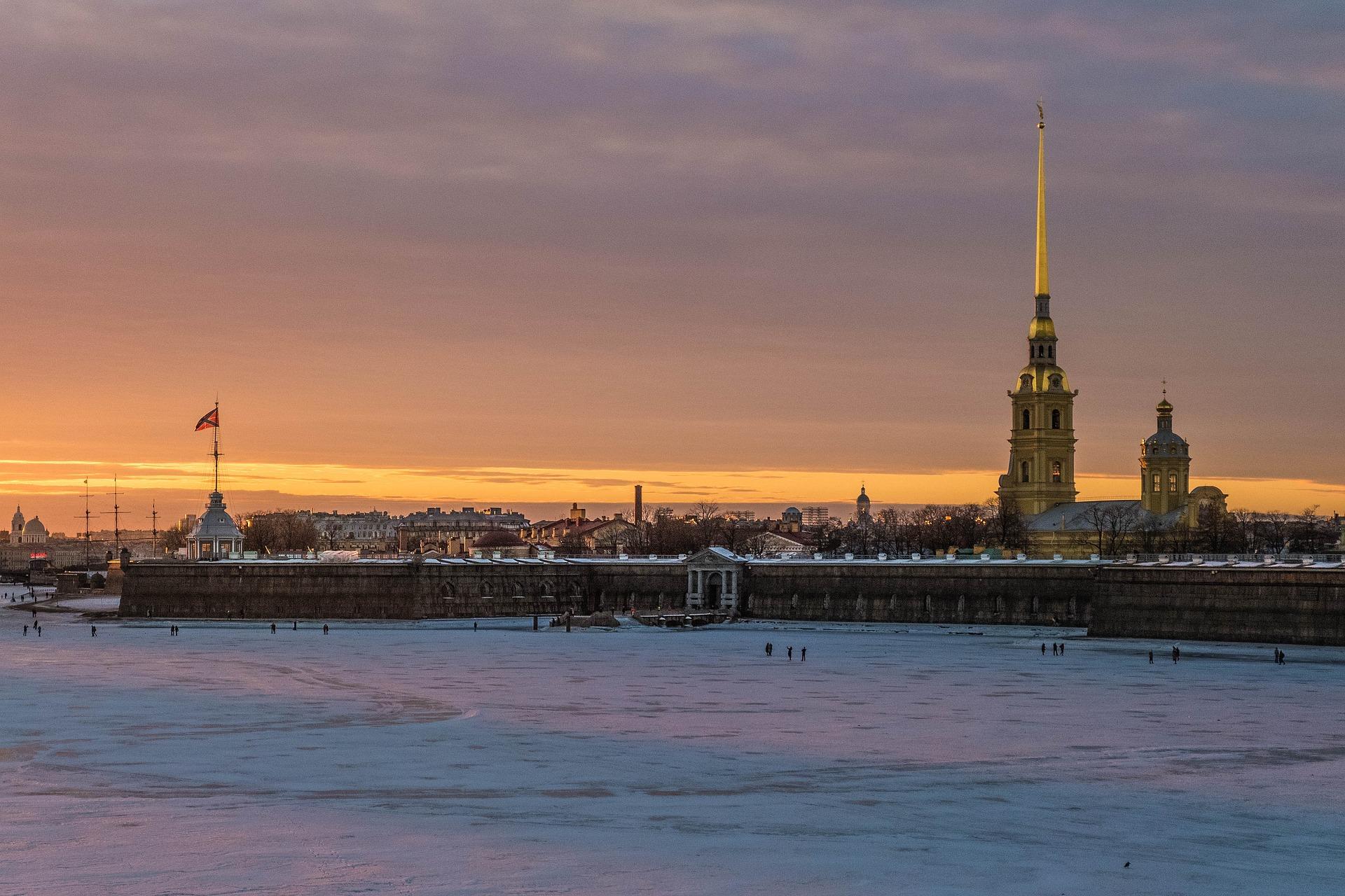 La forteresse Pierre-et-Paul, ensemble fondateur de Saint-Pétersbourg en 1703, par Luidmila Kot