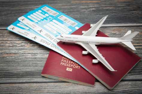 Billets d'avion et passeports