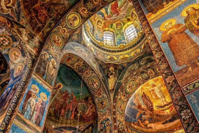 Mosaïques de la cathédrale Saint-Sauveur-sur-le-Sang-Versé par Peter H