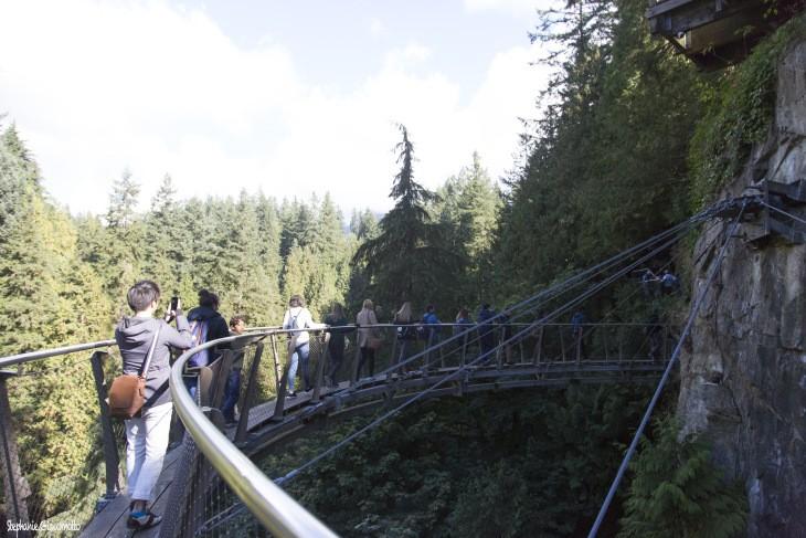 Sur le pont Capilano à North-Vancouver, Canada - Nord Espaces