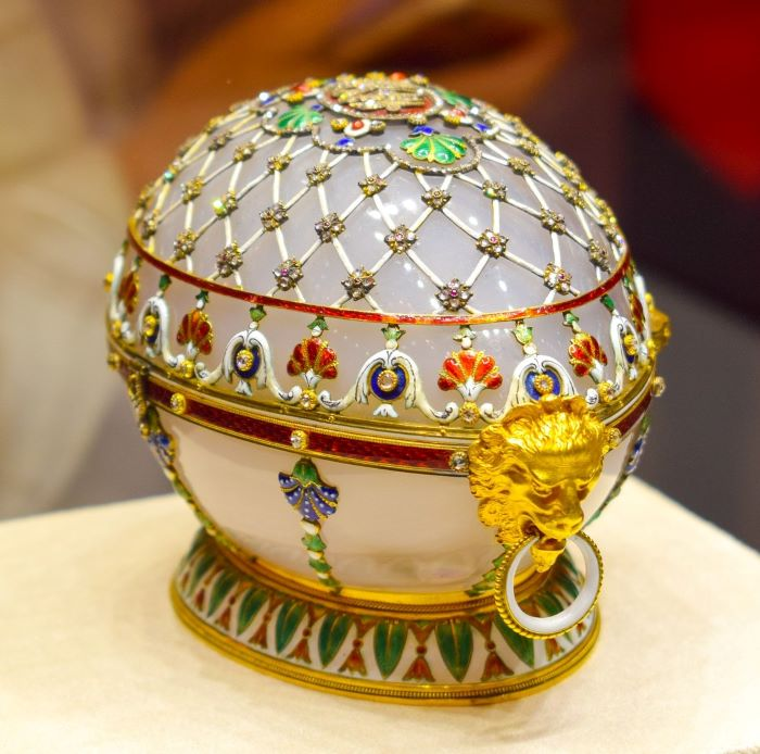 L'un des 54 œufs de Fabergé par opsa