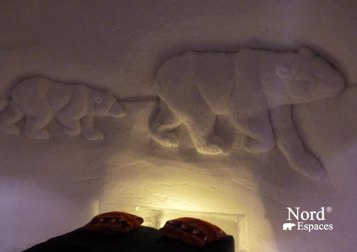 Chambre d'un hôtel de glace en Suède