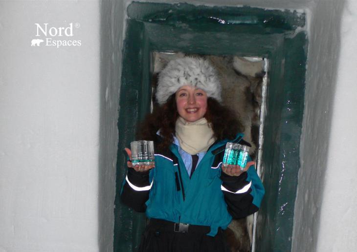 Julia au Ice Bar en Suède