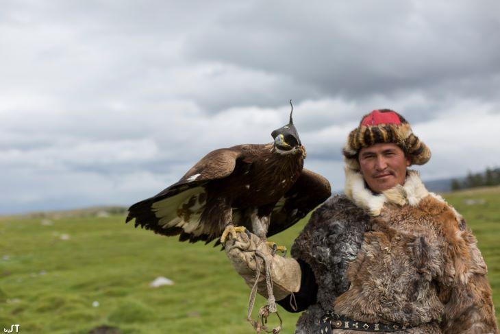 Tirnek et Khumisbek, 32 ans, aiglier kazakh, Altaï, Mongolie