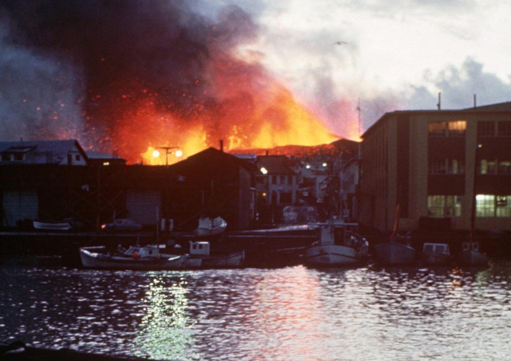 Éruption de l'Eldfell aux îles Vestmann, Islande