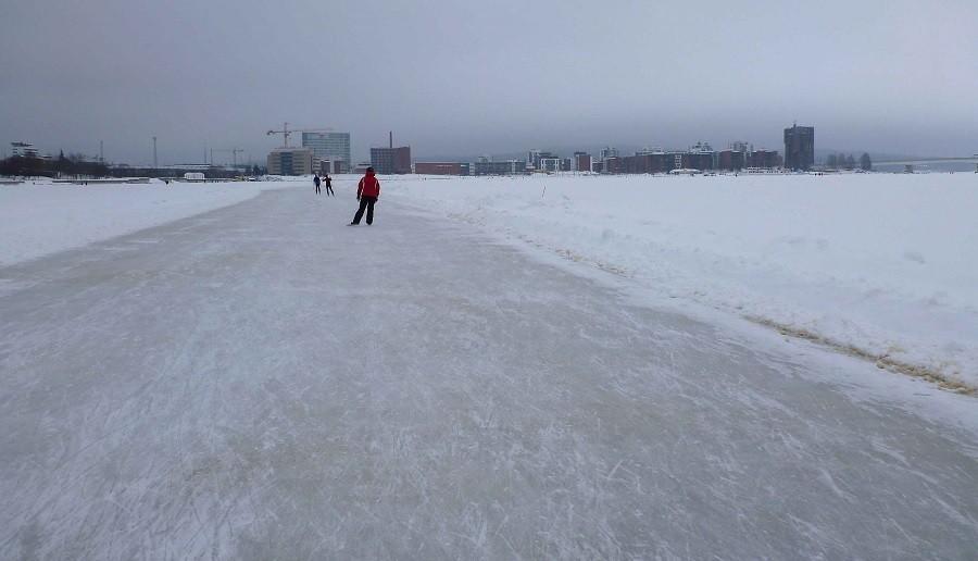 Patinage à Oulu, Ostrobotnie du Nord, Finlande