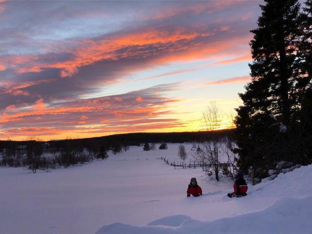 Coucher de soleil sur la Laponie. Photo Brigitte B., février 2021