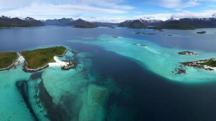 Îles norvégiennes au-delà du cercle polaire
