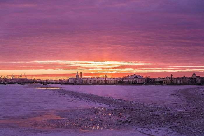 Mirage de Pierre sur la Neva gelée par Liudmila Kot