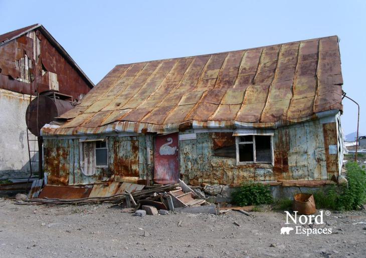 Maison éprouvée par les hivers du Kamtchatka - Nord Espaces