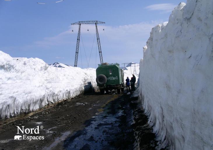 Route menant au volcan Moutnovsky - Nord Espaces