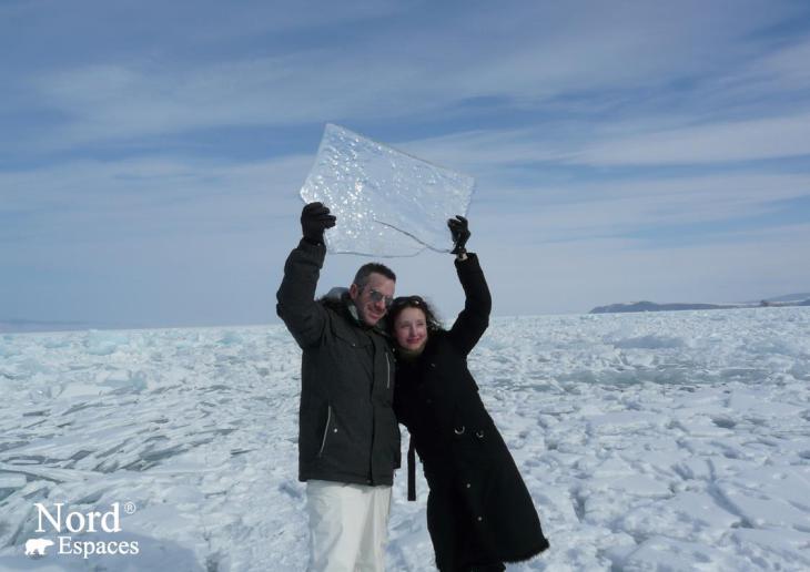 Magie de glace du lac Baïkal pour les adultes et les enfants
