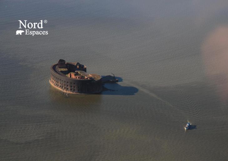 ingénieuses fortifications dans le golf de Finlande pour la réussite des projets ambitieux de Pierre le Grand.