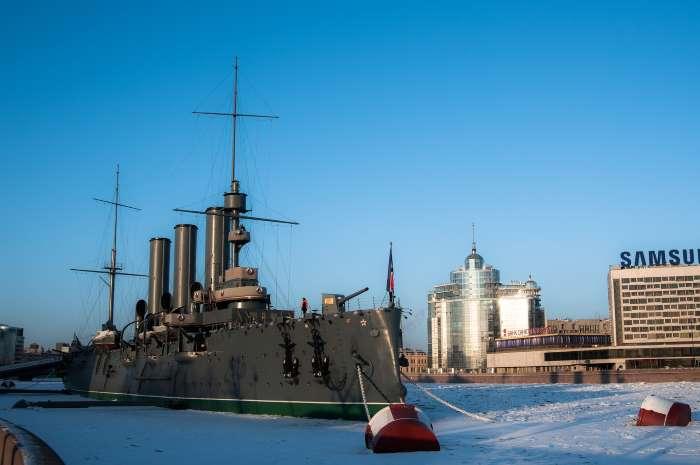 Le croiseur Aurore, symbole de la Révolution d'Octobre 1917, par Сергей Горбачев