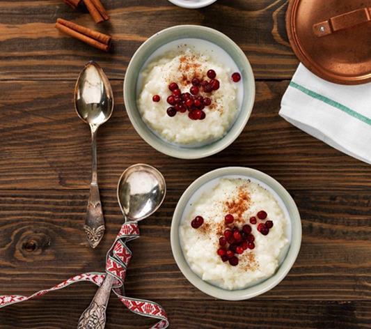 Le risgröt, un riz au lait, à la cannelle, au beurre et aux amandes !